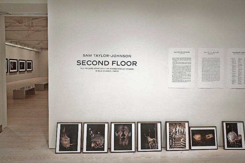 Second Floor - Sam Taylor-Johnson's photographic exhibition - Saatchi Gallery - London - 008