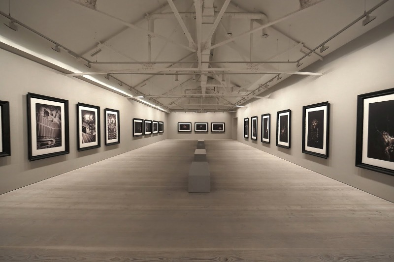 Second Floor - Sam Taylor-Johnson's photographic exhibition - Saatchi Gallery - London - 014
