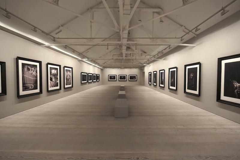 Second Floor - Sam Taylor-Johnson's photographic exhibition - Saatchi Gallery - London - 014