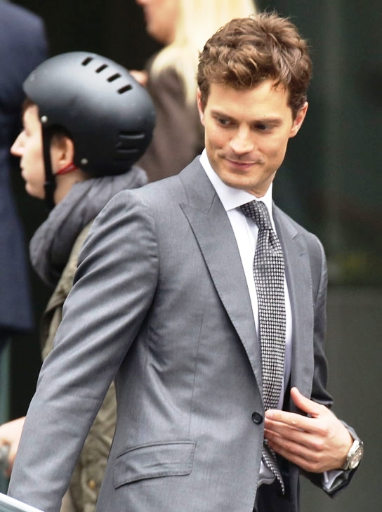 Jamie-Dornan-On-Set-Movie-Fifty-Shades-Grey-Reshoots-Tom-Lorenzo-Site-TLO-3